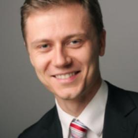 ŁUKASZ GARGASZ   General Manager   Kontakt.io and Co-Founder   Axoma